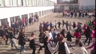 Marica.ru 600 дітей на танець в Пловдів