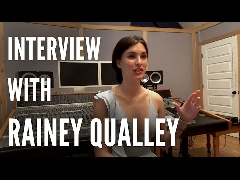 LRM : Rainey Qualley about new EP  Turn Down the Lights