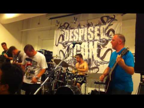 Despised Icon - Les Temps Changent And Sheltered Reminiscence (Live In Singapore 2010)