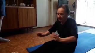 Упражнение из йоги для избавления от боли в спине