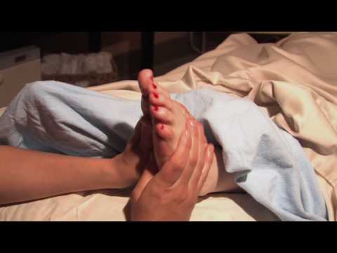 How to Give a Foot Massage During Pregnancy Pregnancy & Parenting ModernMom