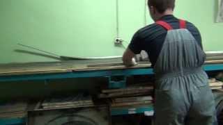 Видео процесса обслуживания ленточных пил pilam.ru(Проверка ленточной пилы на наличие микро трещин и порывов полотна. Обрезка края пилы для формирования длин..., 2012-05-29T20:06:57.000Z)