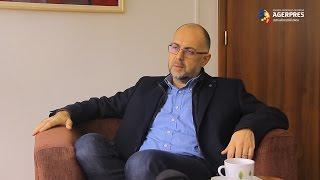 """"""" Noi nu avem o experienţă foarte lungă în ceea ce priveşte guvernarea cu PSD. Noi am guvernat tot timpul în guverne de centru dreapta. (...)Astăzi nu pot să dau un răspuns pentru că nu ar fi cinstit"""