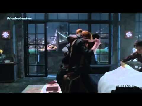 shadowhunters 1x06 clary and simon bring injured luke to