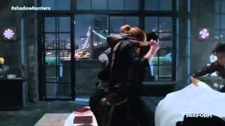 Shadowhunters- 1x06- Clary and Simon bring injured Luke to Magnus- Clip-
