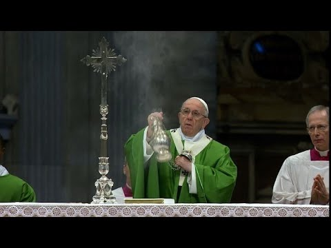 Pope Francis gives a special mass on World Migrant Day Mp3