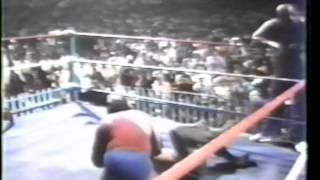 WWC: Andre The Giant, Pedro Morales & Carlos Colón vs. Kendo Nagasaki, Ox Baker & Abdullah Tamba