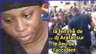 La femme de DJ Arafat lui rend hommage sur le lieu de l'accident de DJ Arafat
