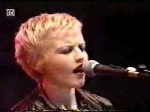The Cranberries - Ode To My Family '95