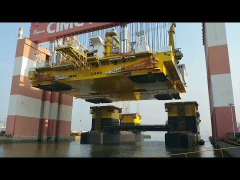 D90 - Frigstad Deepwater Rig Alfa - Mating Ceremony Topside and Lower Hull