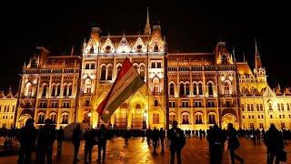 """""""قانون العبودية"""" يدفع بالمجريين إلى الشوارع للاحتجاج"""