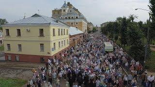 Близько трьох тисяч вірян пройшли хресною ходою вулицями Житомира