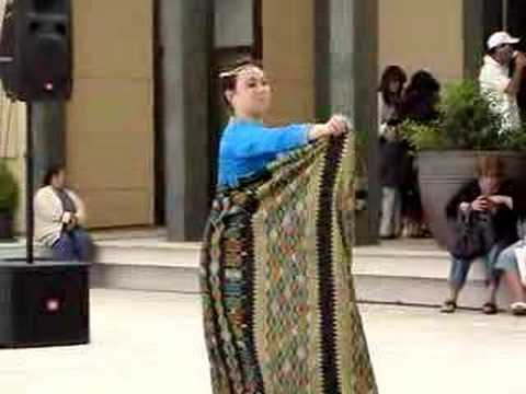Muslim malong dress pictures