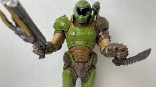 "Doom (2016) McFarlane Toys Doom Slayer 7"" Video Game Action Figure Review"