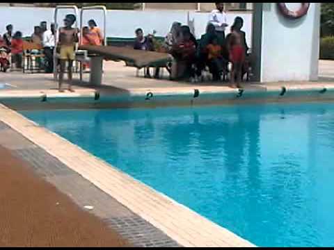 Ahmed 39 S First Swimming Race 22jun2011 3gp Youtube