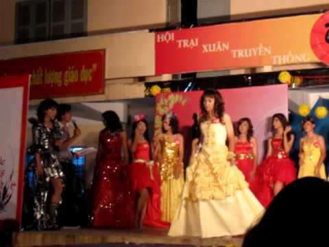 Miss Sài Gòn - Bước Chân Hoàn Vũ - Trại Xuân NHC 2010