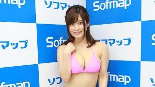 グラビアアイドル、橘花凛(25)が、28日、東京・秋葉原のソフマッ...