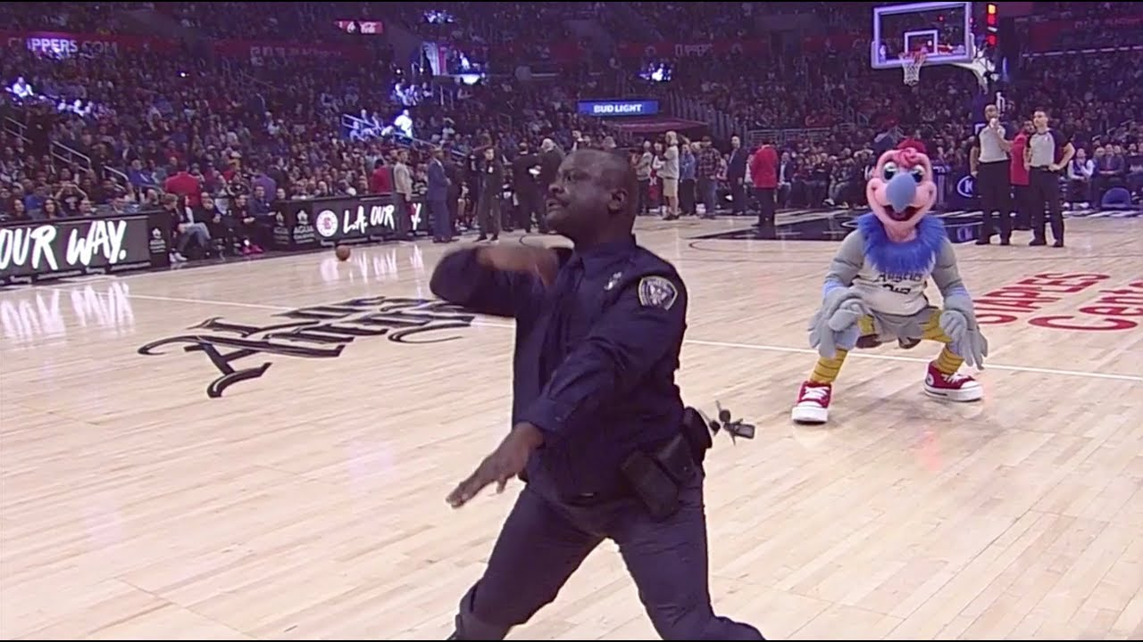 Cop Shows Off Hilarious Moves At Los Angeles Clippers Game