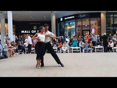 Juliana Aparicio & Santiago Hernandez at Mall of Berlin 2017