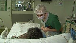 """Fin de vie : l'Ordre des médecins pour une """"sédation terminale"""" exceptionnelle - 14/02"""