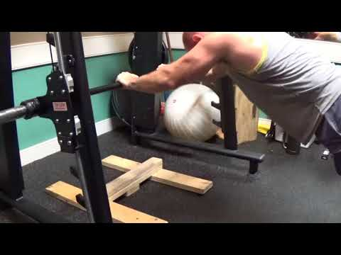 Triceps-Bodyweight Tricep Extension on Smith Machine
