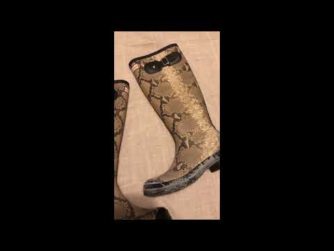 How to clean rubber bloom off of Hunter Boots or any rubber product