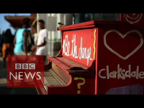 Child poverty blues in Mississippi - BBC News