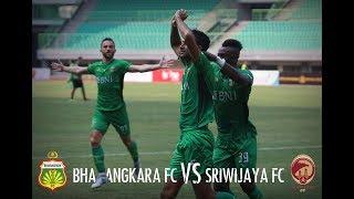 Suasana Pertandingan: Bhayangkara FC vs Sriwijaya FC