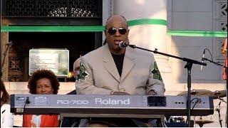 """Stevie Wonder sing """"Overjoyed"""" in LA 2013"""