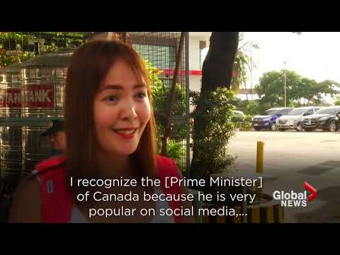 Justin Trudeau stages fast-food publicity stunt in Manila