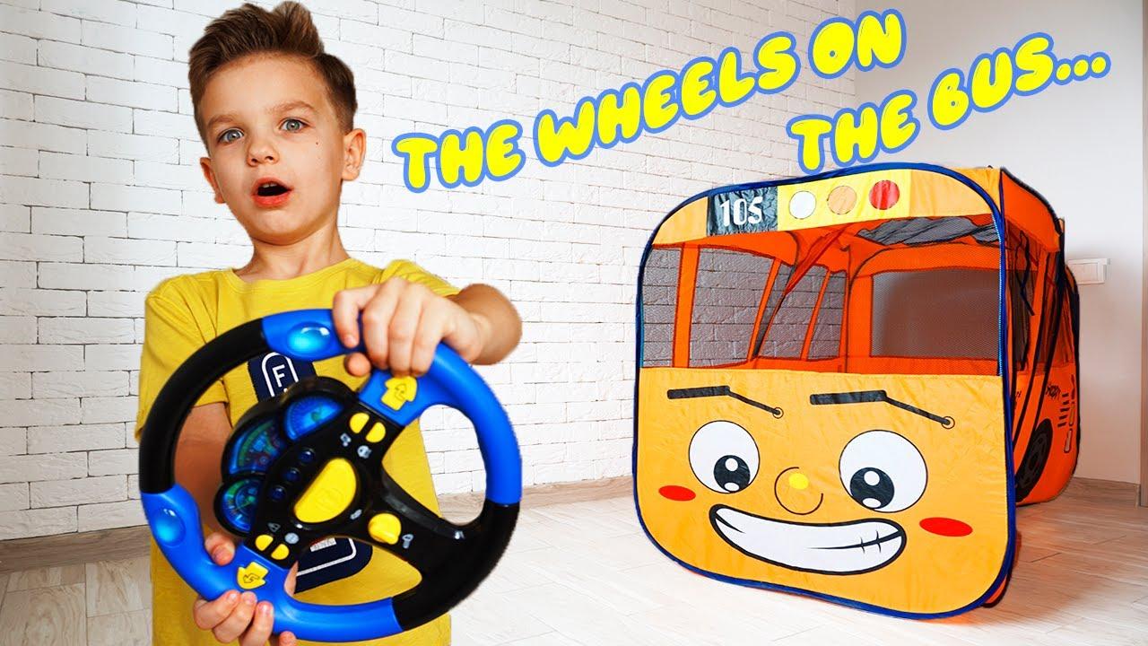 Колеса у автобуса крутятся Детская песня на английском