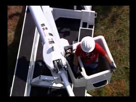 Altec L37m Bucket Truck Operation Youtube