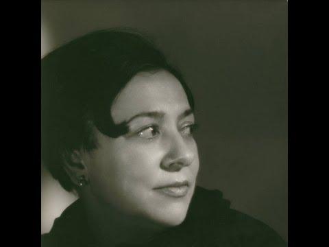 Alicia de Larrocha plays Chopin - Concerto No.2, Op.21