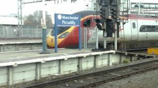 Trains at: Manchester Piccadilly, WCML, 02/11/15