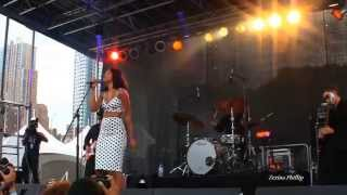 "Alice Smith Sings ""Fool For You"" & ""The One"" @ #Afropunk2014"