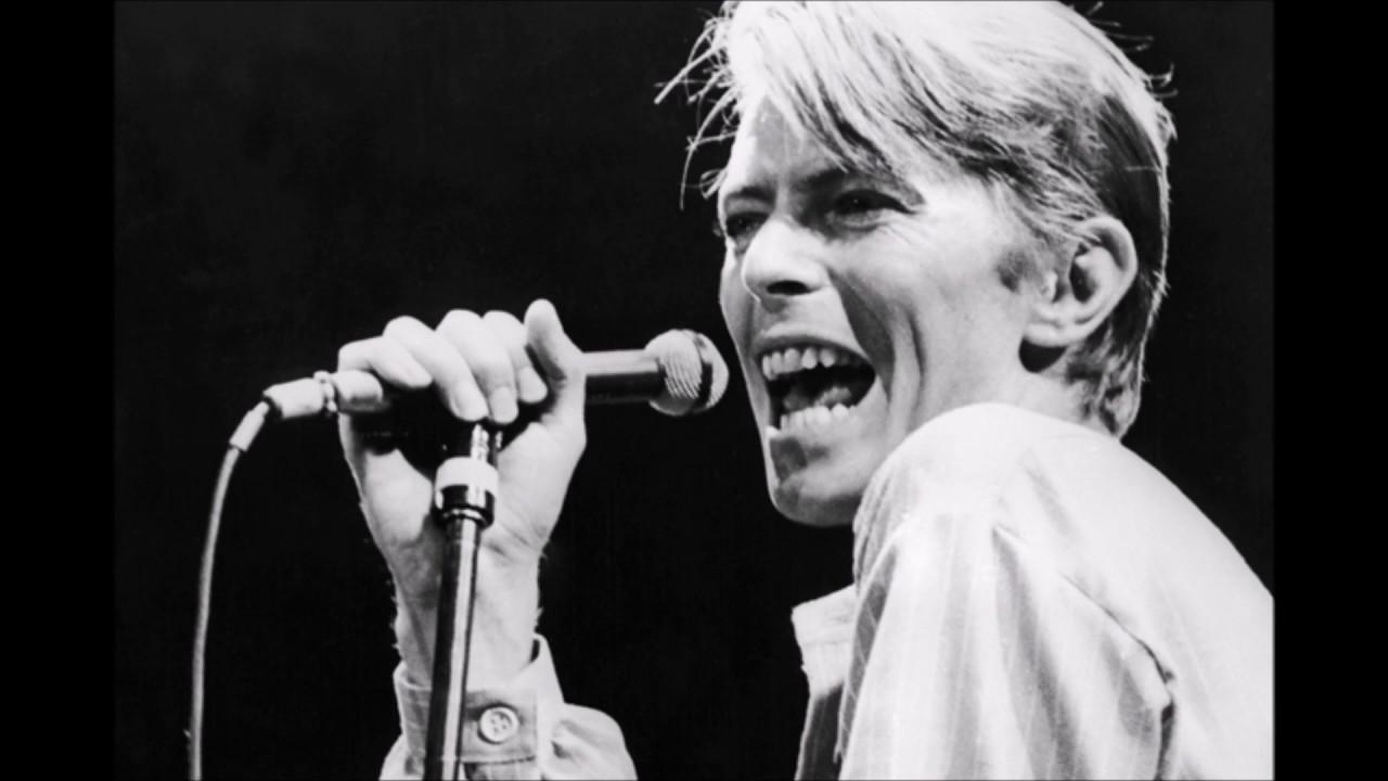 Life on mars?- David Bowie (Lyrics & Traduzione ITA) - YouTube