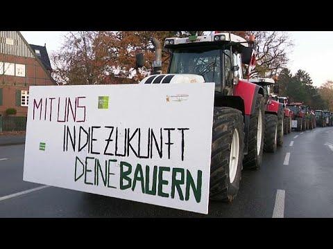 3.500 Traktoren: Landwirte