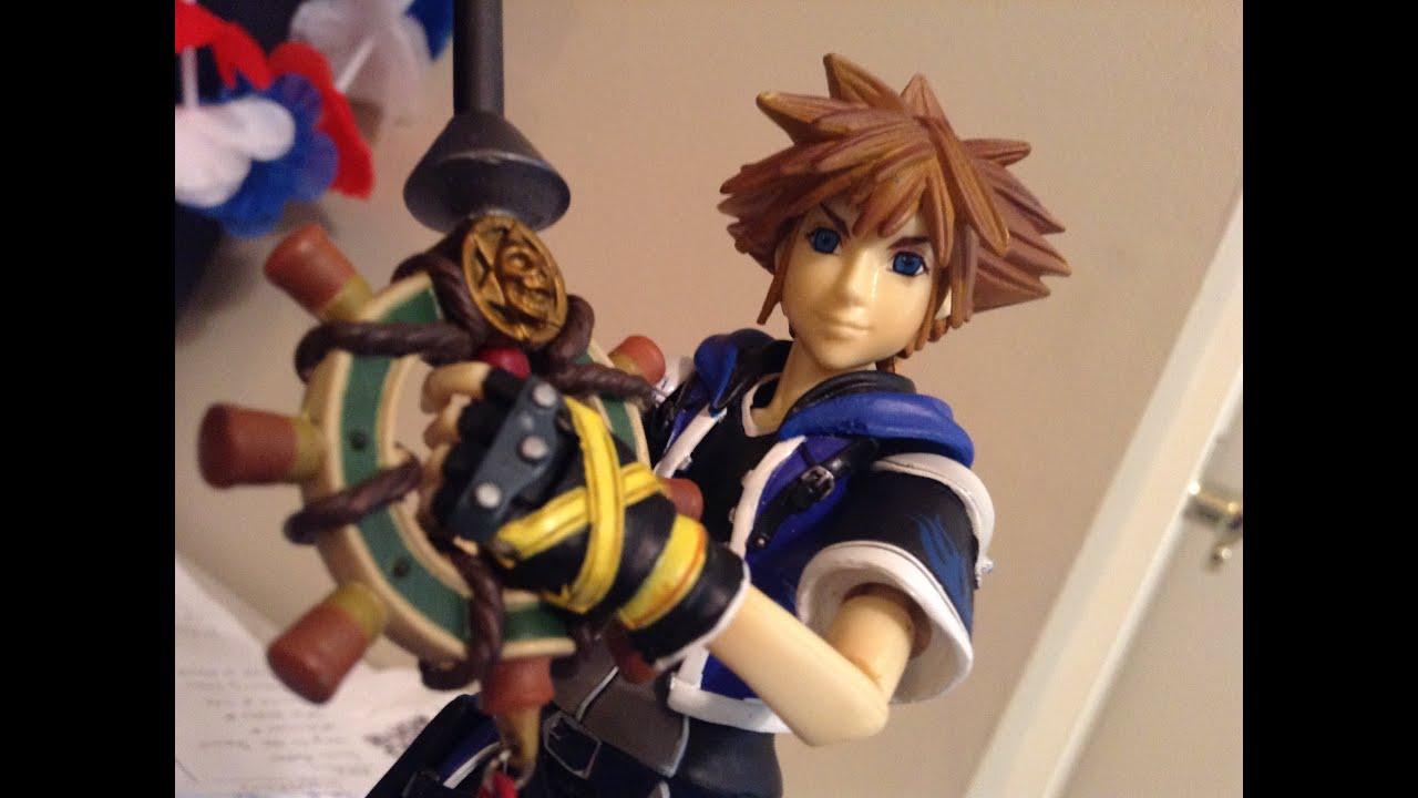 Kingdom Hearts 2 Play Arts Wisdom Form Sora Action Figure Review ...