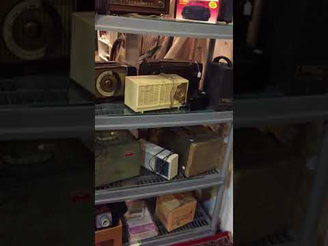 ANTIQUE RADIOS & COLLECTIBLE ELECTRONICS AT THE WEST SAINT PAUL ANTIQUE MALL