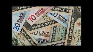 Смотреть видео Биржевой курс доллара превысил 66 рублей, евро— 77 рублей онлайн