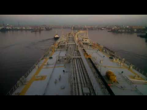 """Tanker """"CABO VÍRGENES"""" -Approaching & Berthing- """"LES TOREADORS"""" from Carmen Suite No.1 Georges BIZET"""