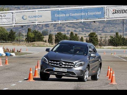 Mercedes-Benz GLA 2017 - Maniobra de esquiva (moose test) y eslalon | km77.com