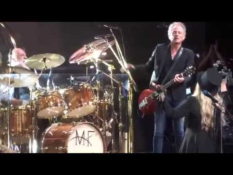 """Go You Own Way"" Fleetwood Mac@Wells Fargo Center Philadelphia 10/15/14"