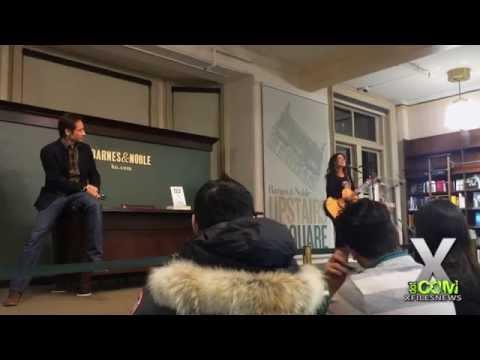 Bree Sharp Serenades David Duchovny at