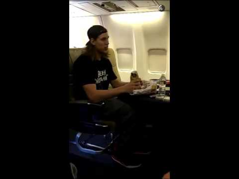Kelly Olynyk trying to eat a burrito in four bites (commentary by Amir Johnson)