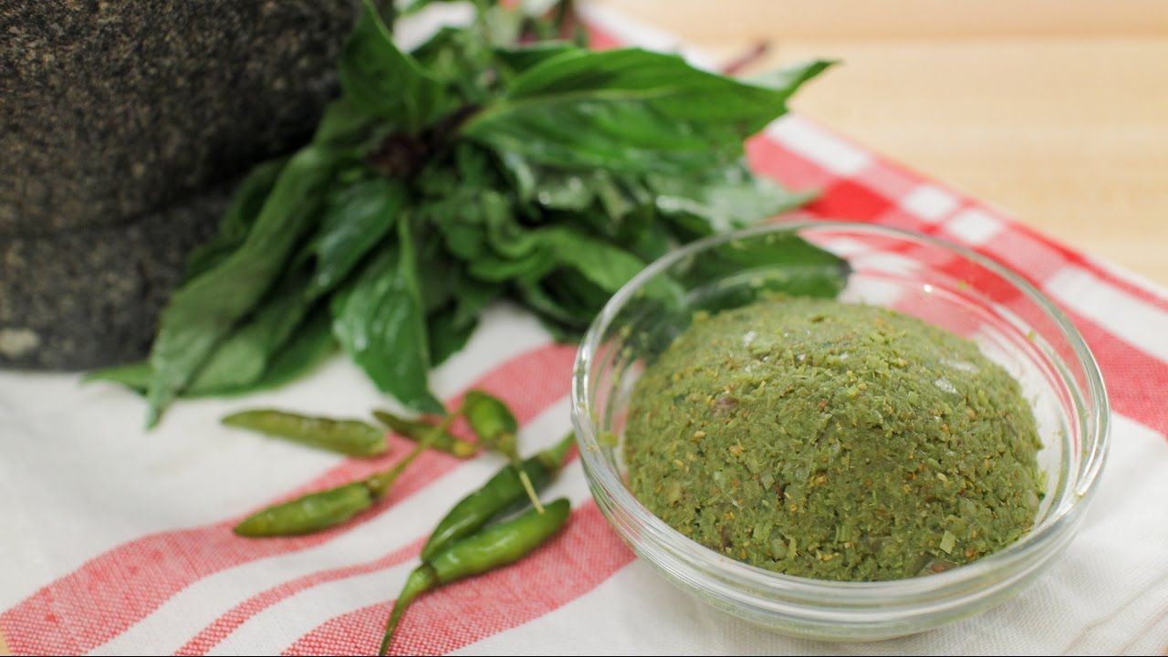 Nice Green Curry Paste Recipe พริกแกงเขียวหวาน   Hot Thai Kitchen!   YouTube