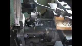Бесцентрово шлифовальное приспособление для шлифовки мелких сверл.