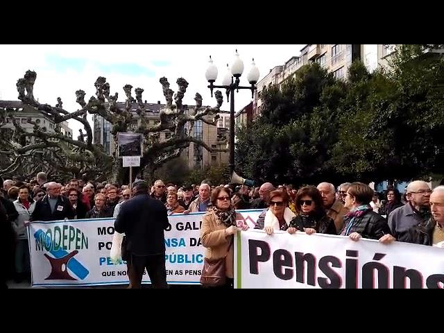 Centos de arousáns bótanse á rúa para reclamar unhas pensións dignas