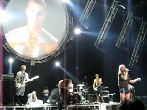 Fischerspooner - Never Win (Live @ Synch Festival)