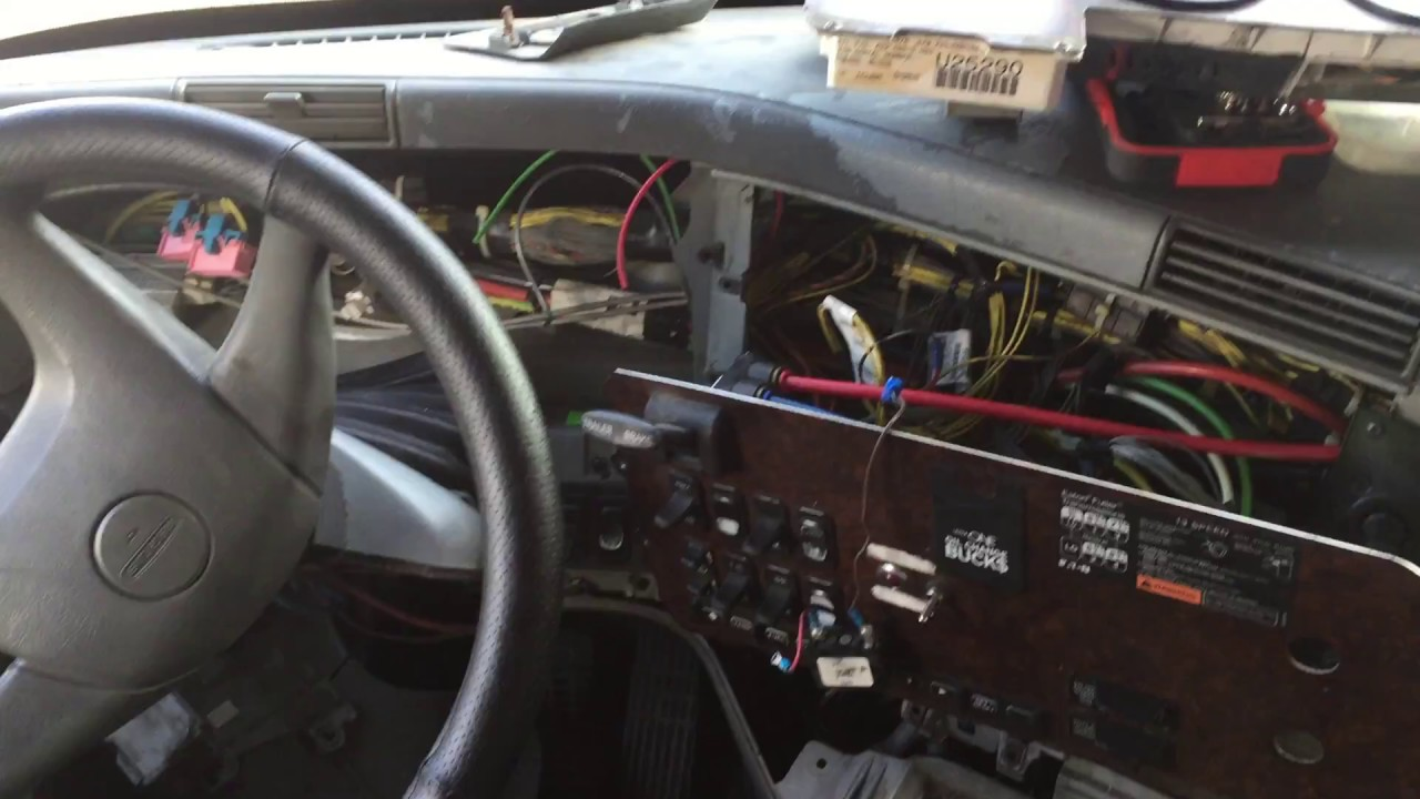 Low air pressure buzzer location and troubleshooting 2006 freightliner  century class